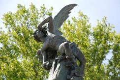 La estatua del Ángel Caído en el Retiro